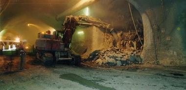 Excavation of tunnel junction
