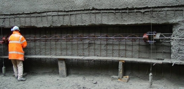 Lattice girder, wire mesh and shotcrete