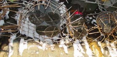 Shoe reinforcementon timber piles
